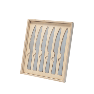 Semaine tastemaker Ruth Thumb uses set of steak knives by David Mellor