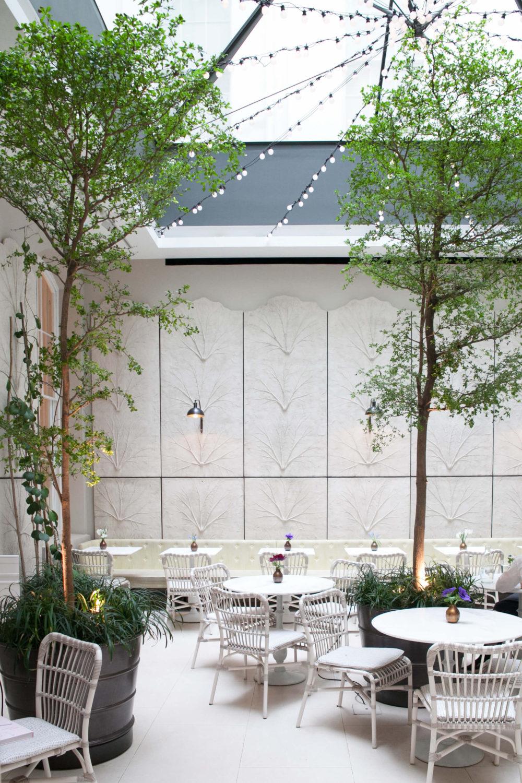 Semaine tastemaker Skye Gyngell outdoor restaurant by Giada Mariani