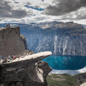 Semaine tastemaker Sigrid enjoys hiking